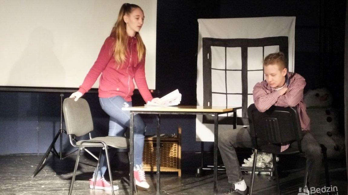 młodzież na scenie