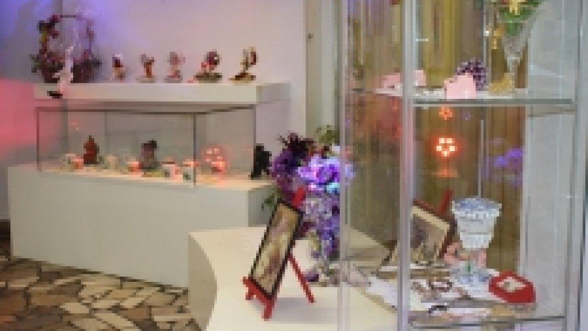 Gabloty z eksponatami