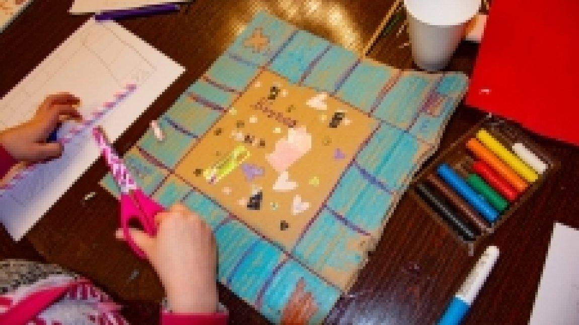 Gra planszowa stworzona przez dziecko