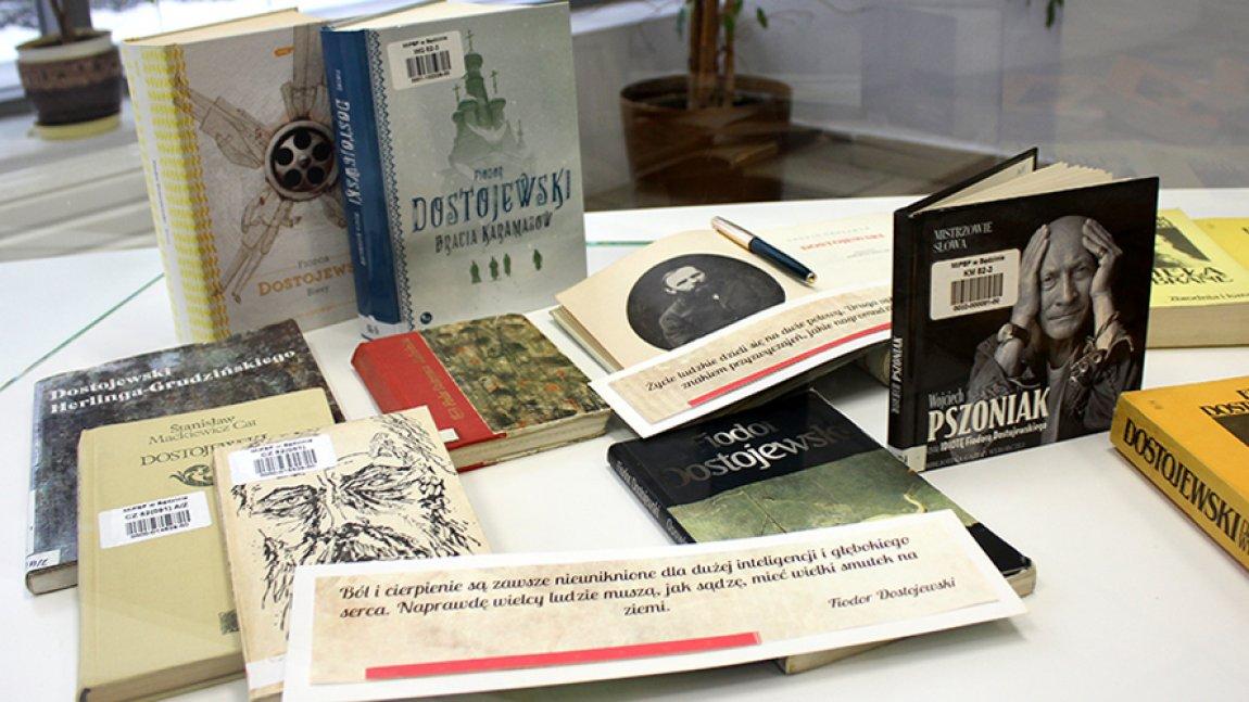 Książki autora wyeksponowane na wystawie